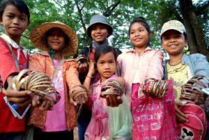 siem-reap-cambodia-street-kids